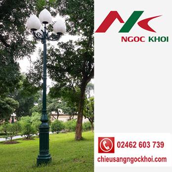 Cột sân vườn DC05B lắp đèn hoa sen