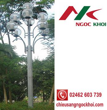 Cột đèn trang trí thân sắt 9 Đèn